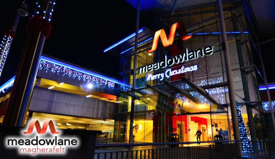 Meadowlane-Christmas-Main-entrance-23-11-15